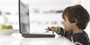 الأطفال دون 16 عاما نوافذ لانتهاك الخصوصية إلكترونيا